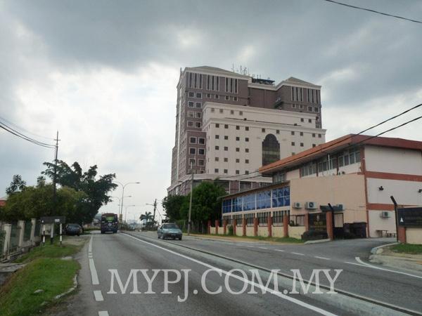 Menara Mutiara Majestic Building View Coming From Jalan Othman Roundabout