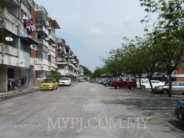 SEA Park Apartments Ground View