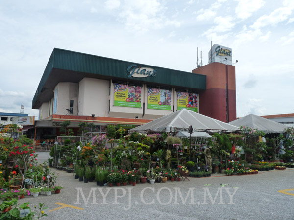 Giant Supermarket Paramount, Taman Paramount, Section 20