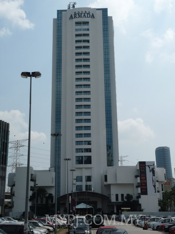 24 Stories Tall Hotel Armada