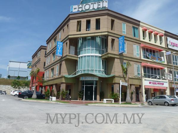 i-Hotel The Strand Kota Damansara in PJU 5, Petaling Jaya